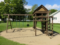 Takundewide Cottages Playground for young children