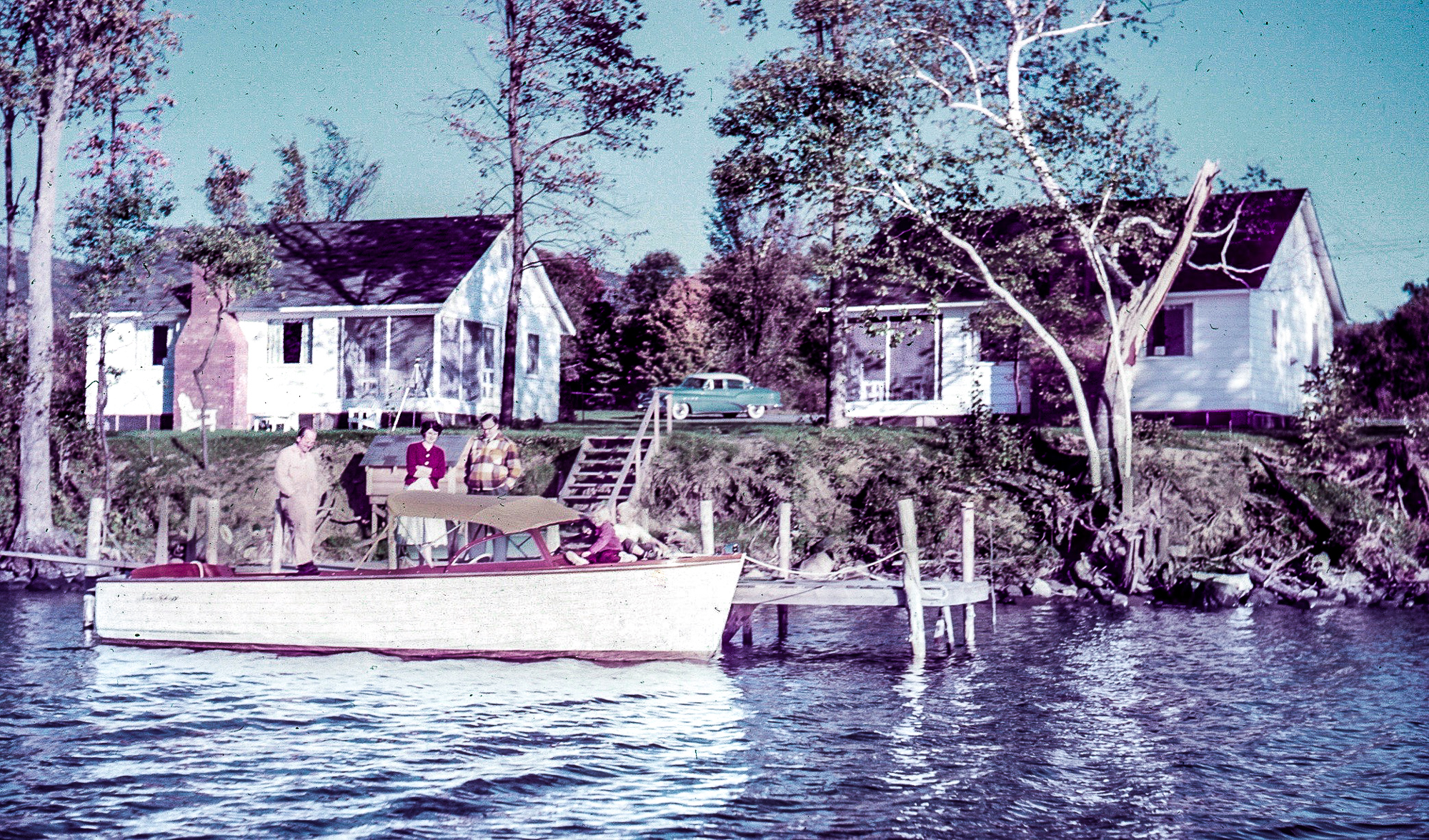 Lake George vacation cabin rental #2 and #3 in 1954 at Takundewide Cottages on Lake George