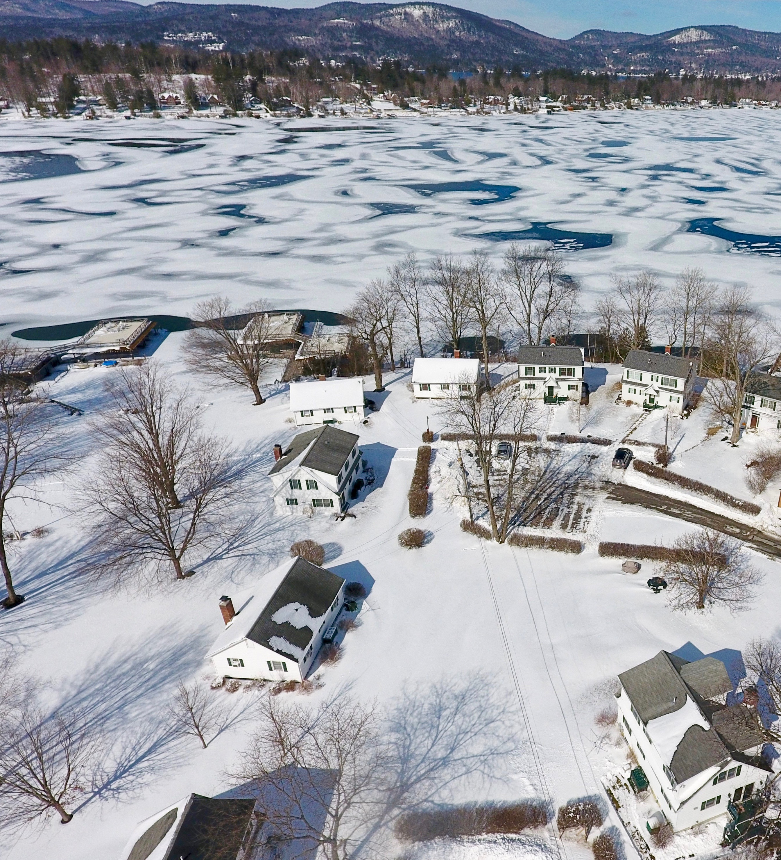Aerial vioew of Lake George winter vacation rentals at Takundewide Cottages