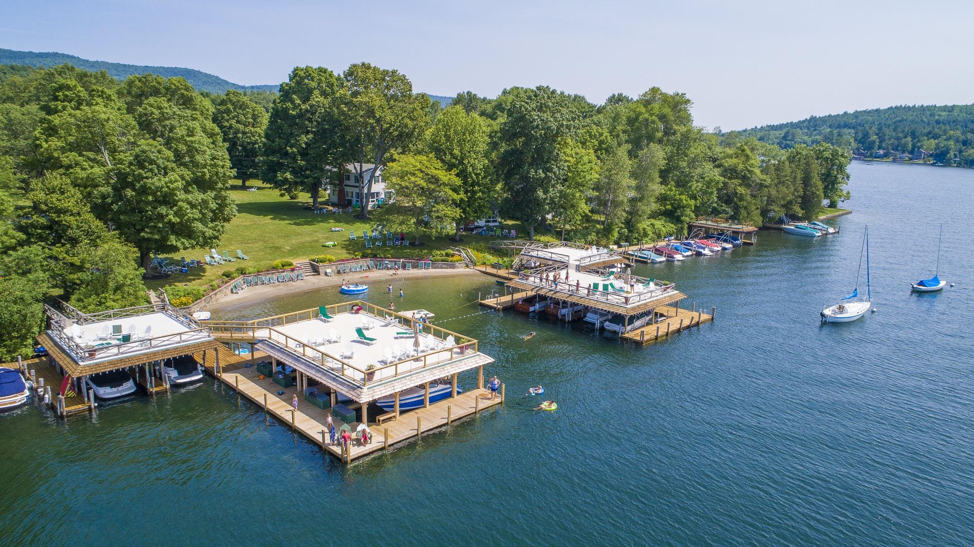 Takundewide Cottages on Lake George covered and uncovered boatslips and sailboat moorings