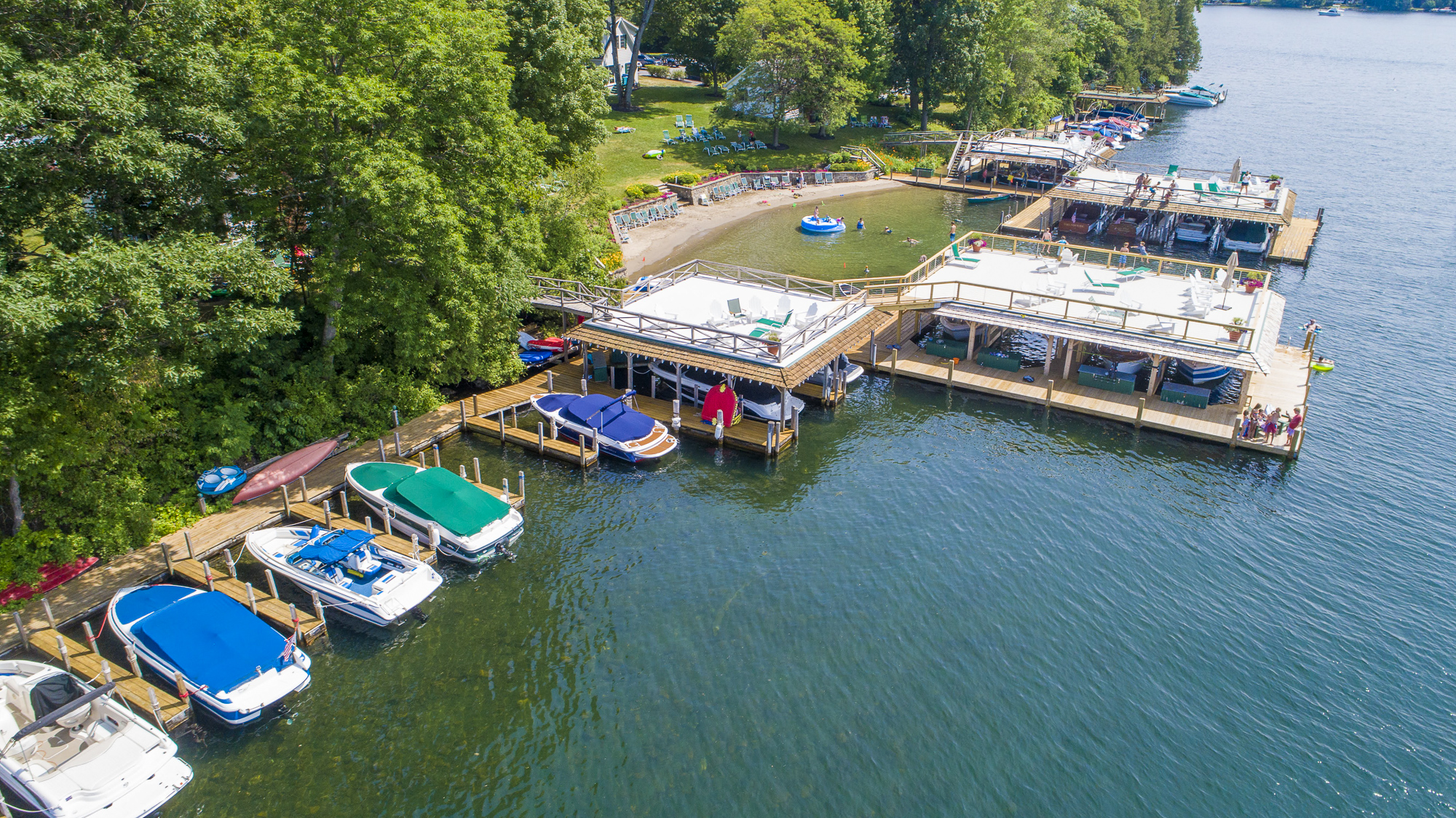 Takundewide Cottages on Lake George uncovered and covered docks