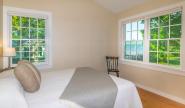 Takundewide Cottage #10 Queen Bedroom