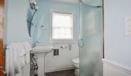 Takundewide Cottage #10 downstairsbathroom