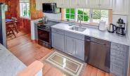 Takundewide Cottage #10 kitchenDSC_1179