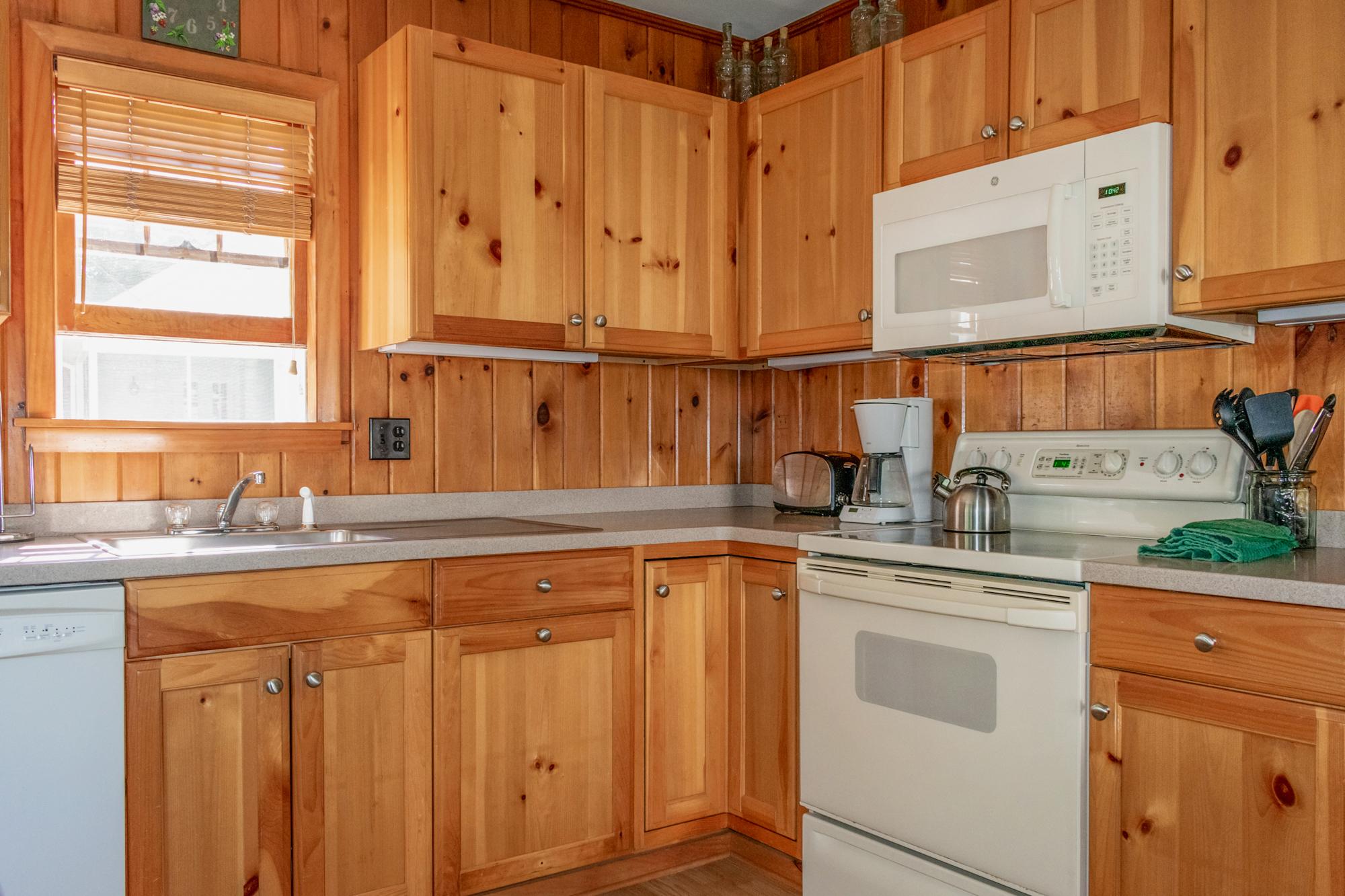 Takundewide Cottage #12 Kitchen-2