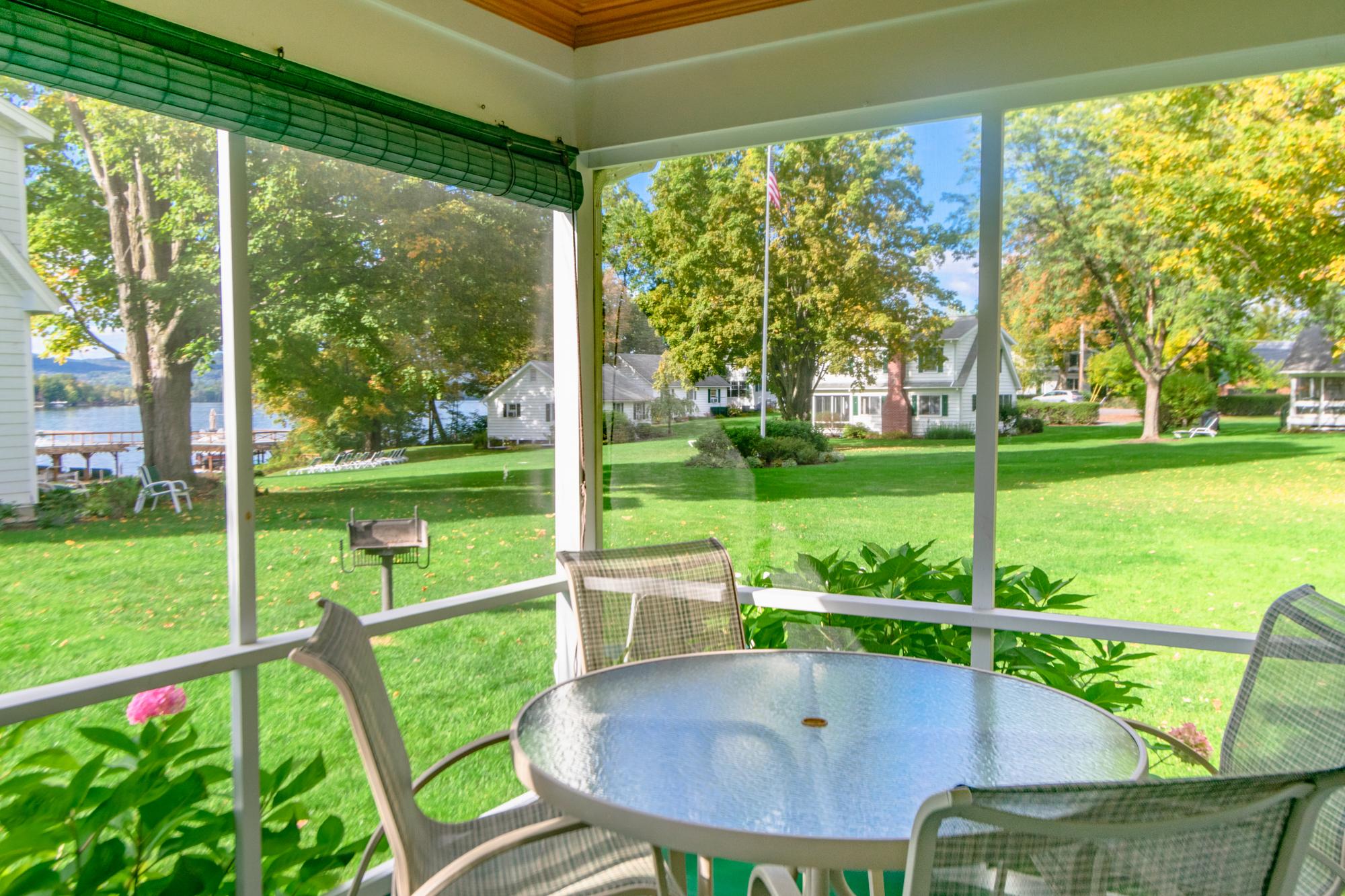 Takundewide Cottage #12 porch