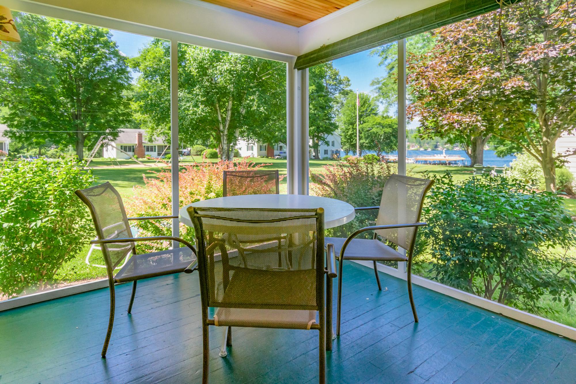Takundewide Cottage #13 Porch