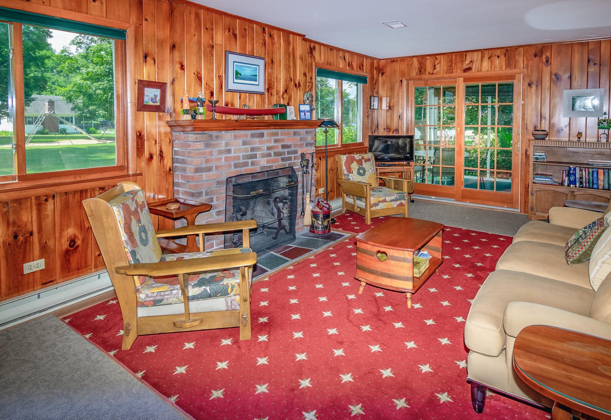 Takundewide Cottage #13 living room