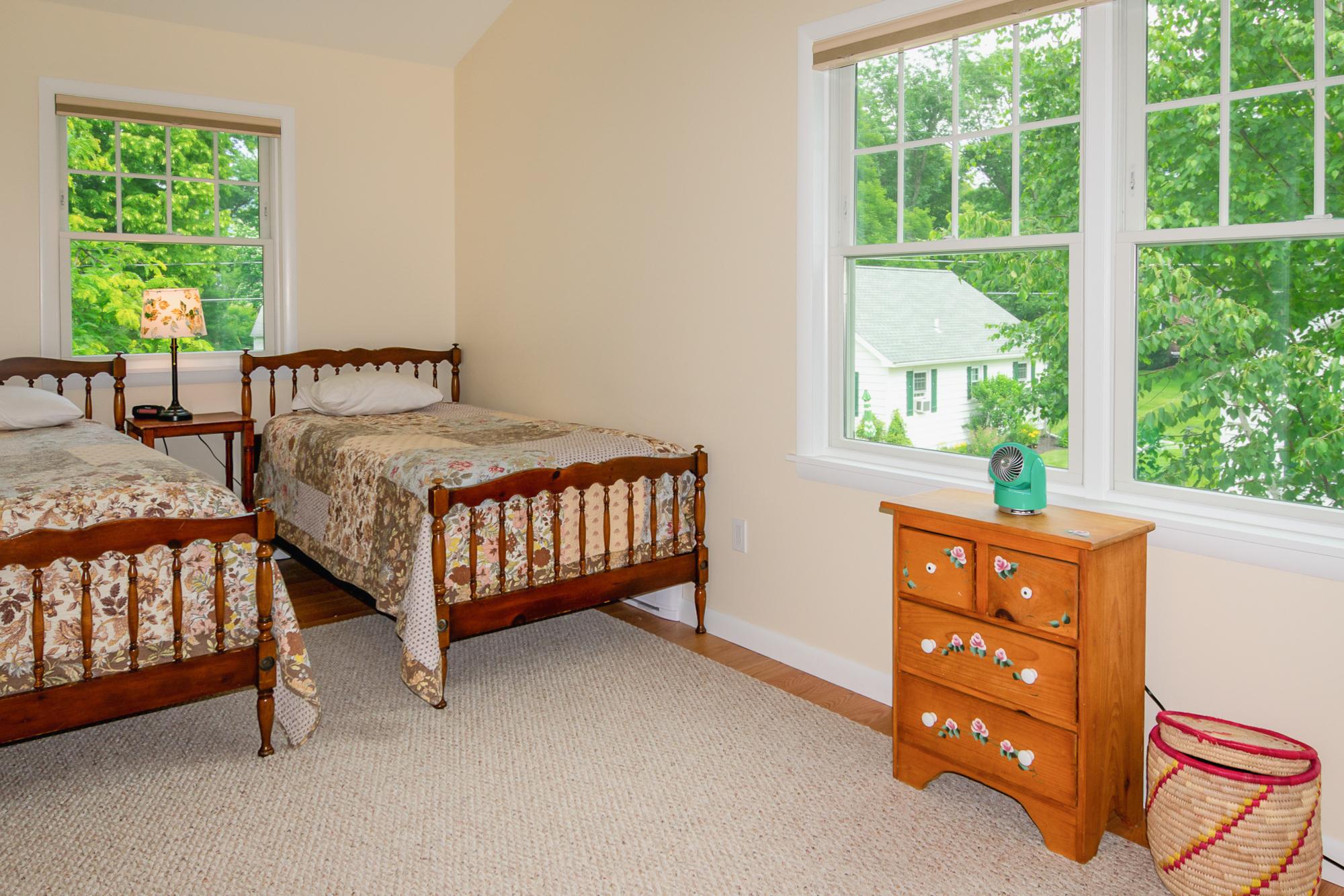 Takundewide Cottage #13 upstairs twin bedroom #2