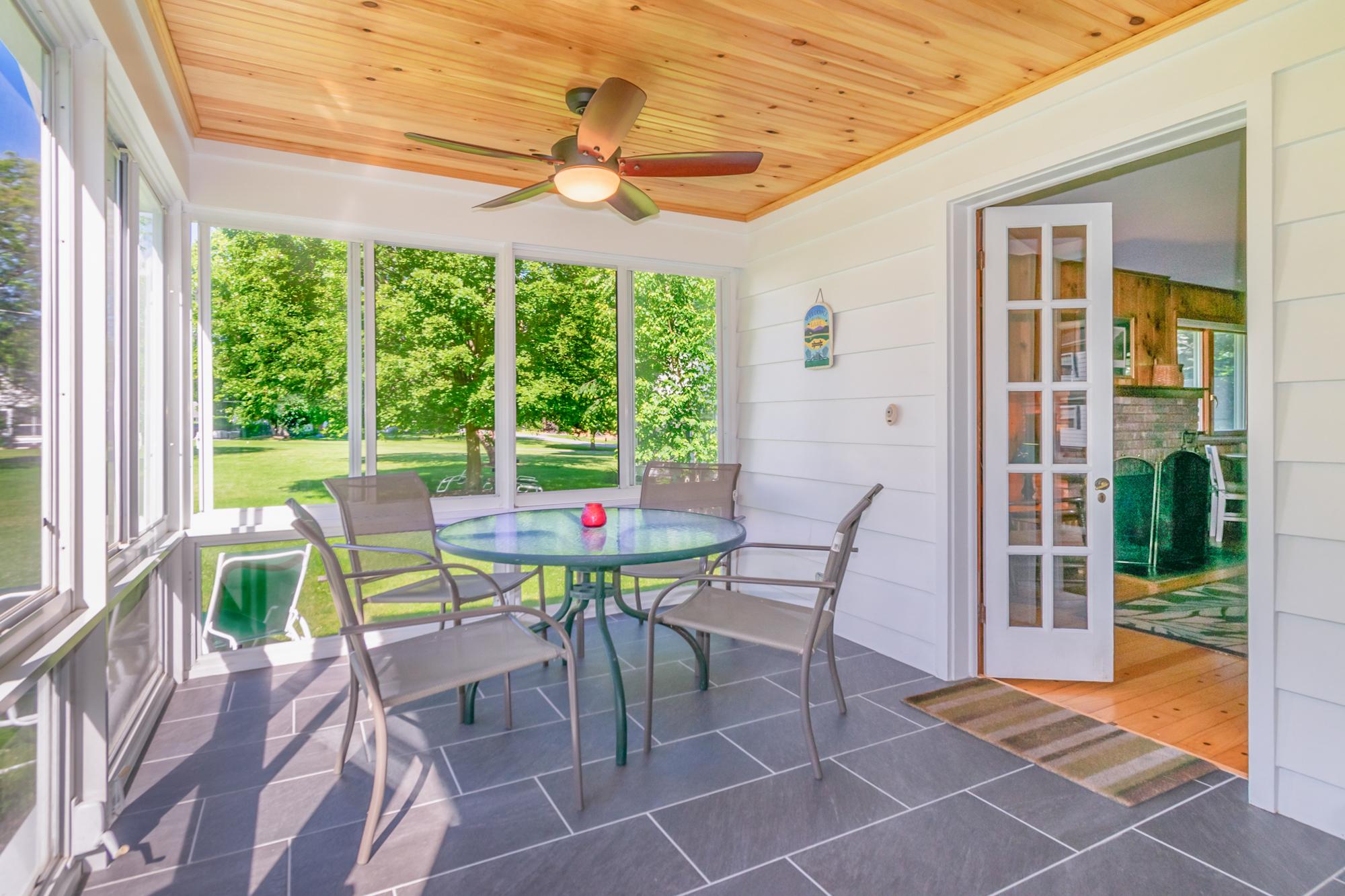Takundewide Cottage #19 porch