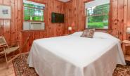 Takundewide Cottage #19 queen bedroom
