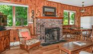 Takundewide Cottage #21 LivingroomJul2019DSC_0135