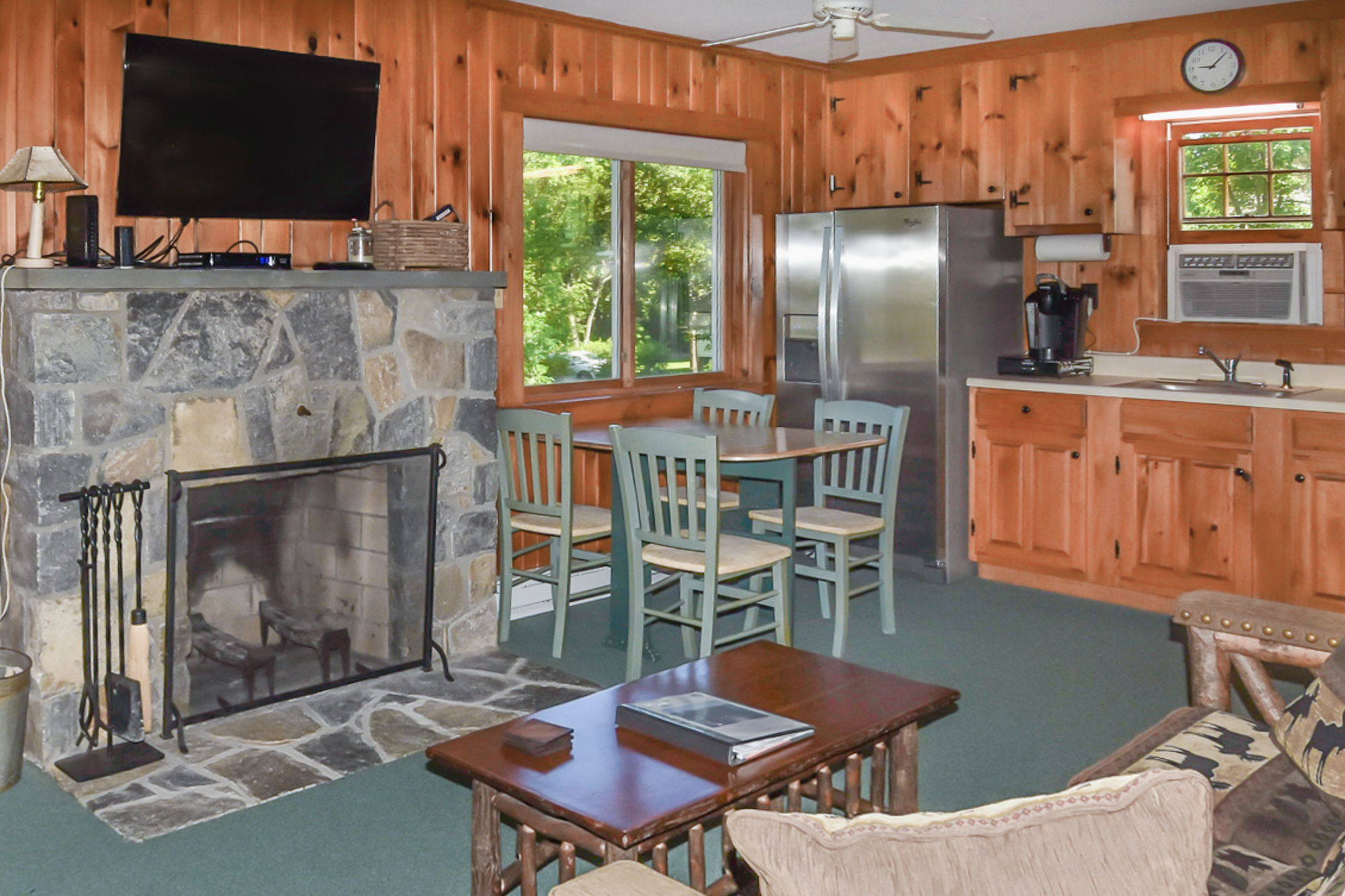 Takundewide Cottage #22LivRoomJul2019DSC_1363-2