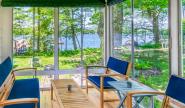 Takundewide Cottage #4 porch