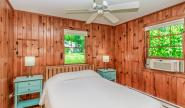 Takundewide Cottage #4 queen bedroom