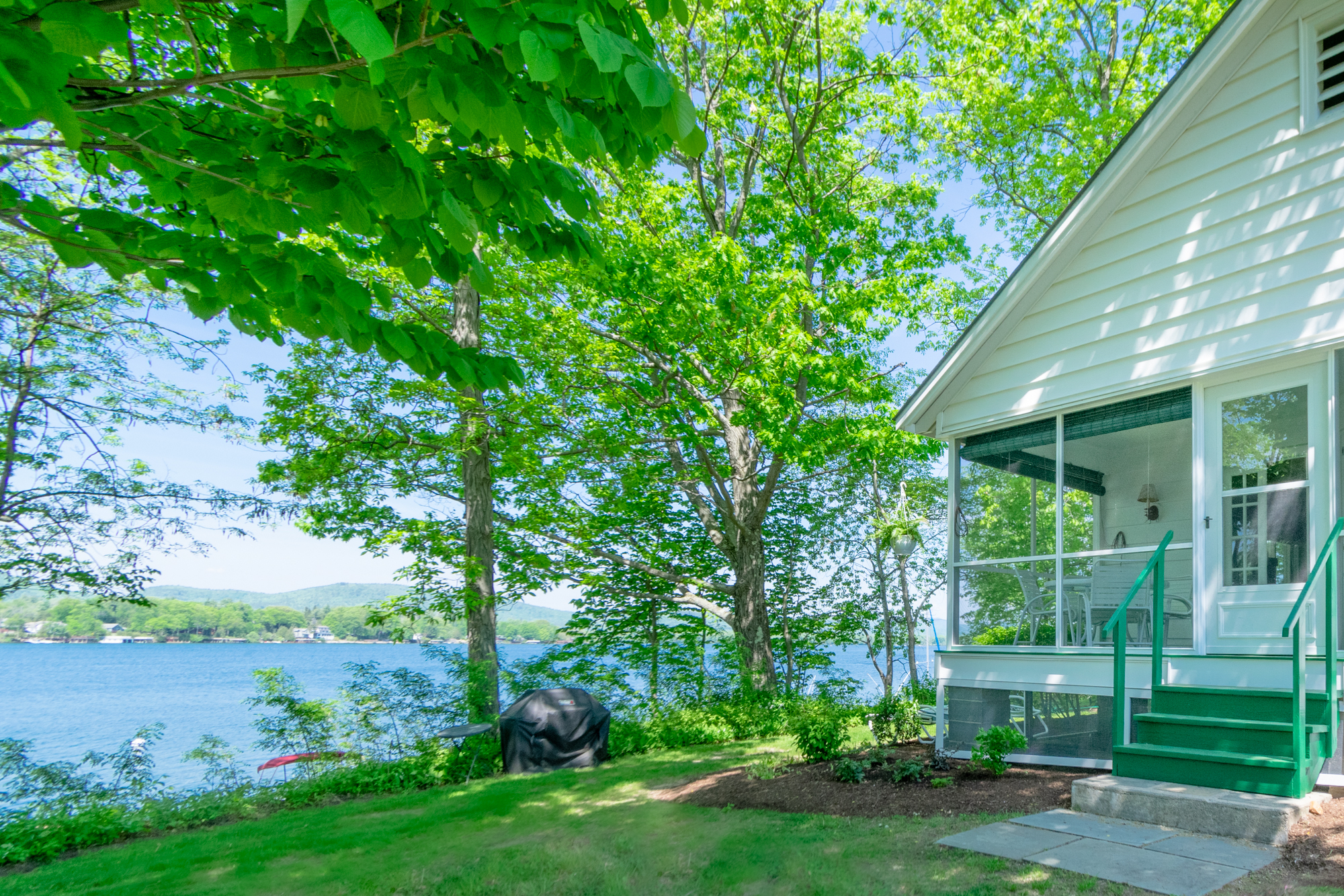 Takundewide Cottage #5 lakefront exterior