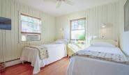 Takundewide Cottage #5 twinbedroomDSC_0631